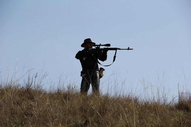 Cade in un dirupo durante la caccia, morto un 52enne