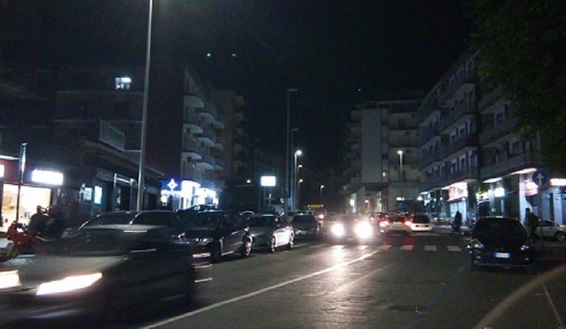 Quartiere Borgo-Sanzio al buio: lampioni spenti e mancanza di sicurezza per i cittadini. Le FOTO