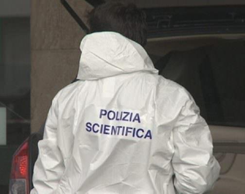 Giallo nel Catanese: uomo ritrovato cadavere nella propria abitazione con il cranio fracassato