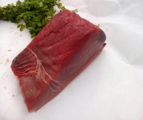 In 9 al Pronto Soccorso dopo aver consumato tonno rosso in due noti ristoranti italiani: verifiche in corso