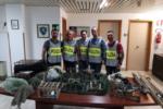 Viaggiavano con cardellini e attrezzature per la cattura illegale: bloccati dalla polstrada