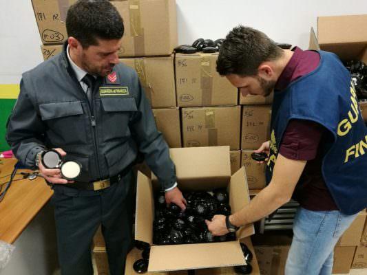 Da Bergamo a Canicattì, sequestrati migliaia di cosmetici contraffatti: ricostruito flusso da 180mila pezzi e 90mila euro di profitti