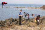 Danneggia spiaggia con escavatore per farsi il posto barca: denunciato un uomo