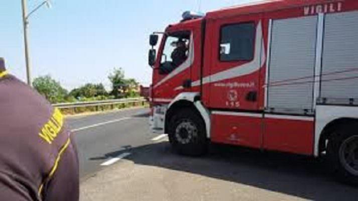 Vivaio Forestale Sicilia : Vivaio in fiamme a fiumefreddo i dettagli dellincendio di ieri