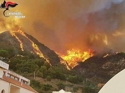 Incendio Messina 9 luglio 2017