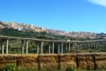 """Crollo Ponte Morandi: il """"gemello"""" di Agrigento chiuso per cedimenti e pericolo crolli dal 2017"""