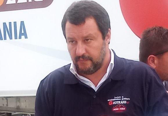 """Salvini visita un'azienda catanese confiscata a Cosa nostra: """"Per i mafiosi l'unica soluzione è portargli via tutto, fino all'ultimo centesimo"""""""