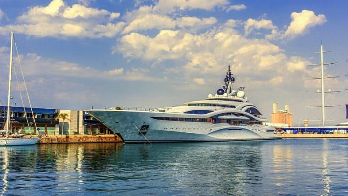 Dove spendono i soldi i milionari? Destinazioni di lusso in Sicilia