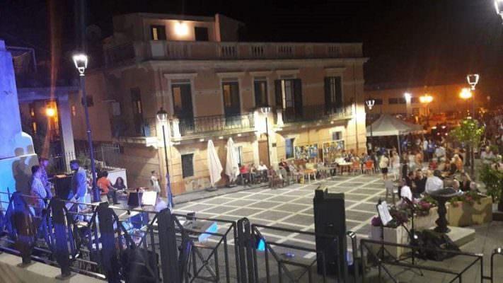 """""""Notte della rinascita"""" a Giampilieri tra street food, musica, spettacoli e intrattenimento"""
