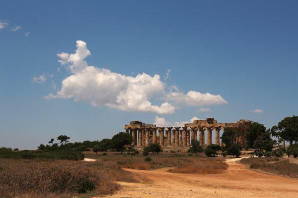 Nuovi parchi archeologici a Segesta e Pantelleria: un passo verso la rivalutazione dei beni culturali in Sicilia