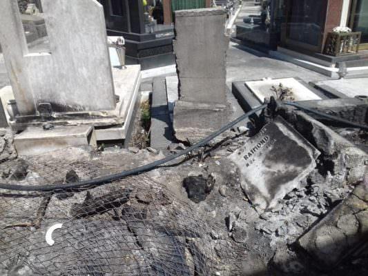 Cimitero di Catania come film horror: tombe disastrate e condizioni pessime – FOTO