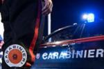 Fermato a bordo dell'auto, coltello con lama di 20 cm: a casa la droga