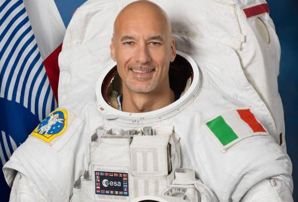 """""""Verso l'infinito e oltre"""", da Armstrong a Parmitano: per i 50 anni dal primo allunaggio lo spazio si colora di Sicilia"""