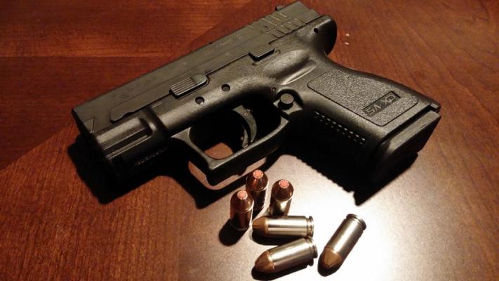 """""""Ora prendo la pistola"""", lite rischia di trasformarsi in tragedia: denunciato 47enne"""