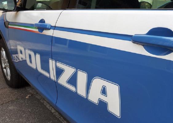 Anziano aggredito in viale Regina Margherita per rubargli Rolex da 4mila euro: caccia al malvivente