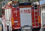 Incendio a Ortigia, chiosco avvolto dalle fiamme: intervento dei vigili del fuoco