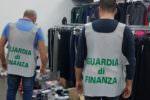 Oltre 40mila articoli contraffatti e con marchio CE falso: denunciato un rivenditore a Partinico