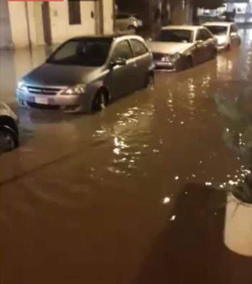 """Sicilia """"in ginocchio"""": nubifragi in atto a Catania, Ragusa e Siracusa"""