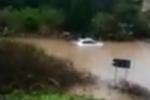 Sicilia flagellata dal maltempo: carabiniere salva persona intrappolata in auto in mezzo all'acqua – VIDEO