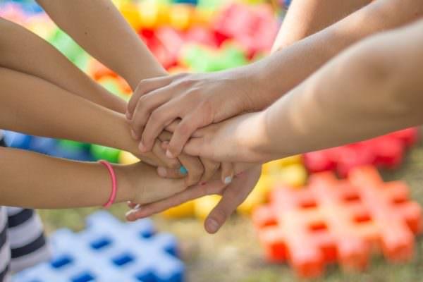 Educare ai sentimenti e agli affetti: una nuova materia approda nelle scuole