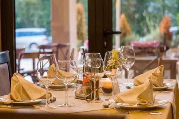 Coronavirus, Dpcm in arrivo in Italia: divieto di asporto dopo le 18, i ristoratori non ci stanno
