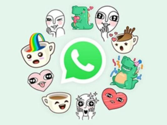 Novità su WhatsApp, le nostre foto diventano sticker ma non per tutti