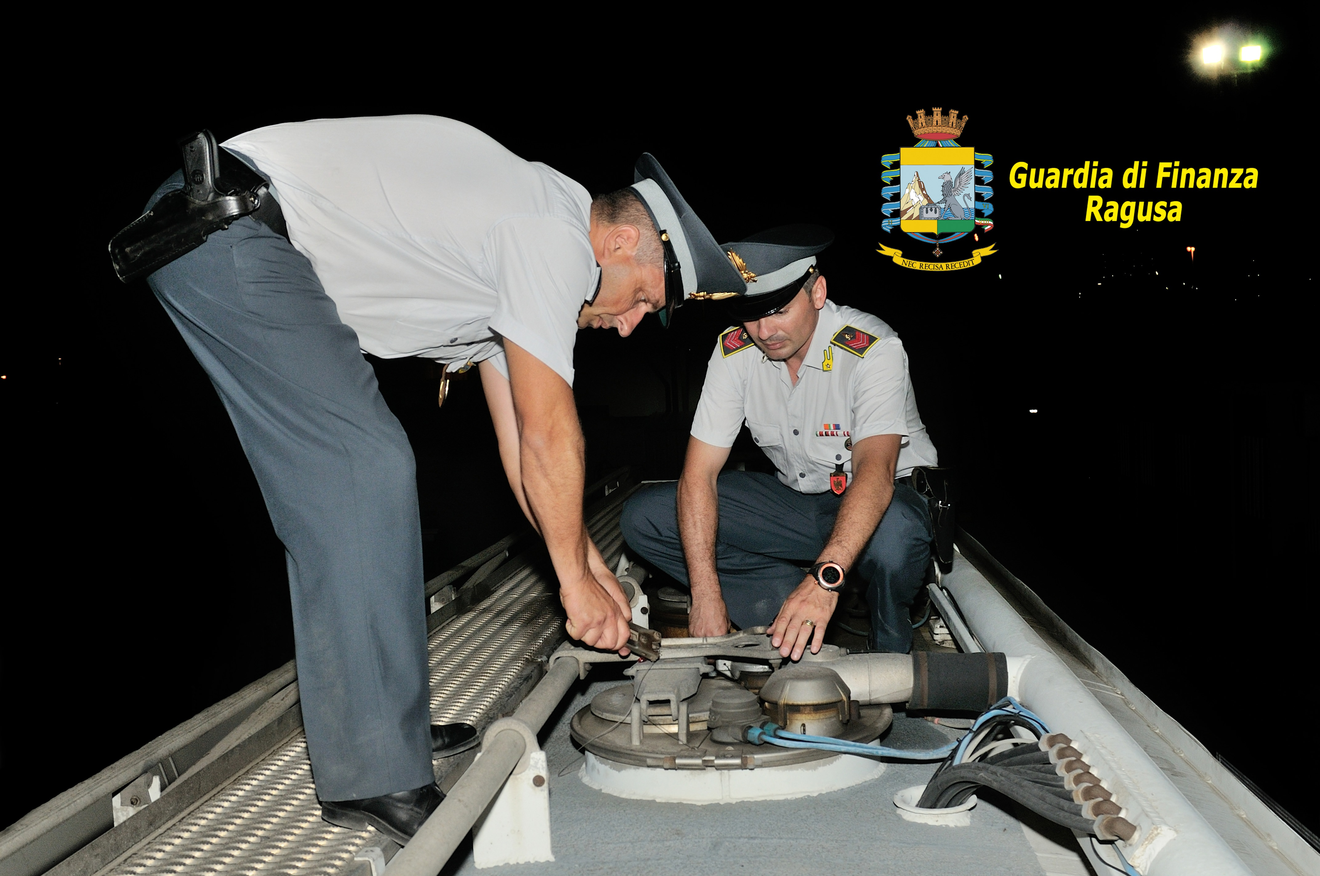 """Operazione """"Ippary Green Fuel"""": denunciate 10 persone per contrabbando di carburante agricolo"""