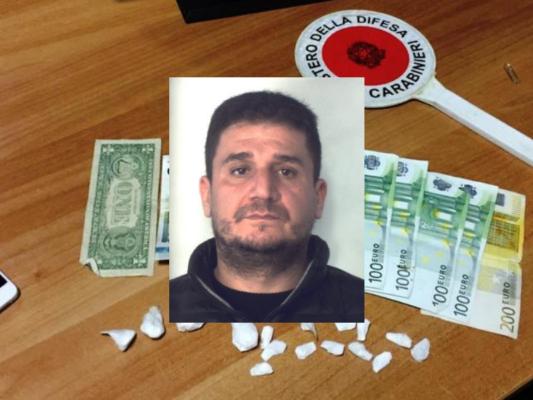 Consegnava droga a domicilio, fermato pusher in via Ventimiglia a Catania: arrestato 39enne