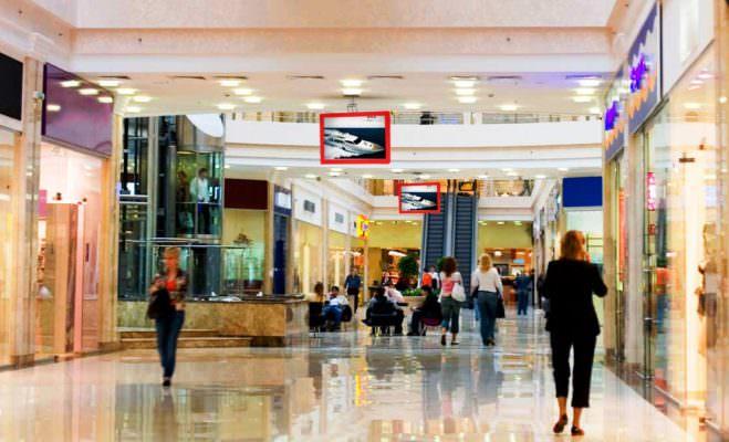 """Fanno shopping """"gratis"""" al centro commerciale ma vengono beccati: nei guai un ragazzo e una ragazza"""