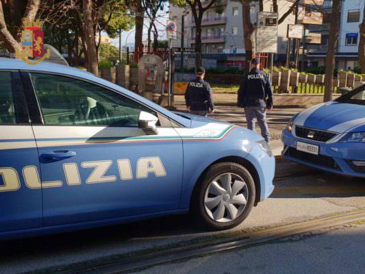 Maxi rissa tra due famiglie a colpi di casco e pugni: denunciate 3 persone