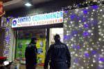 """Rapina al """"Centro Convenienza"""", clienti impauriti allarmano poliziotti che arrestano l'autore"""