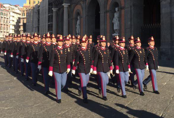 Il rosso maniero accoglie i suoi nuovi soldati