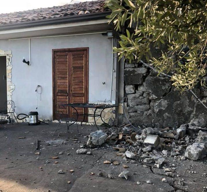 """Terremoto nel Catanese, Josephine e la casa di famiglia distrutta: """"Ho perso tutto ma non ho perso niente"""" – VIDEO e FOTO"""
