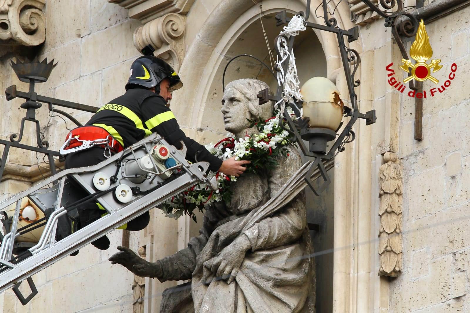 Festa di Santa Barbara a Paternò, folta e sentita presenza dei vigili del fuoco