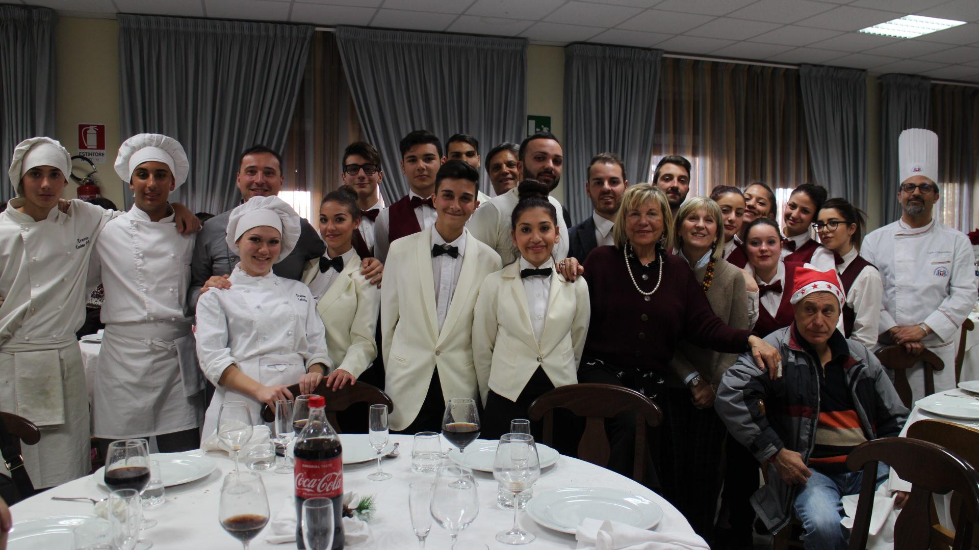 Serenità, integrazione e crescita: il pranzo di Natale del Karol Wojtyla