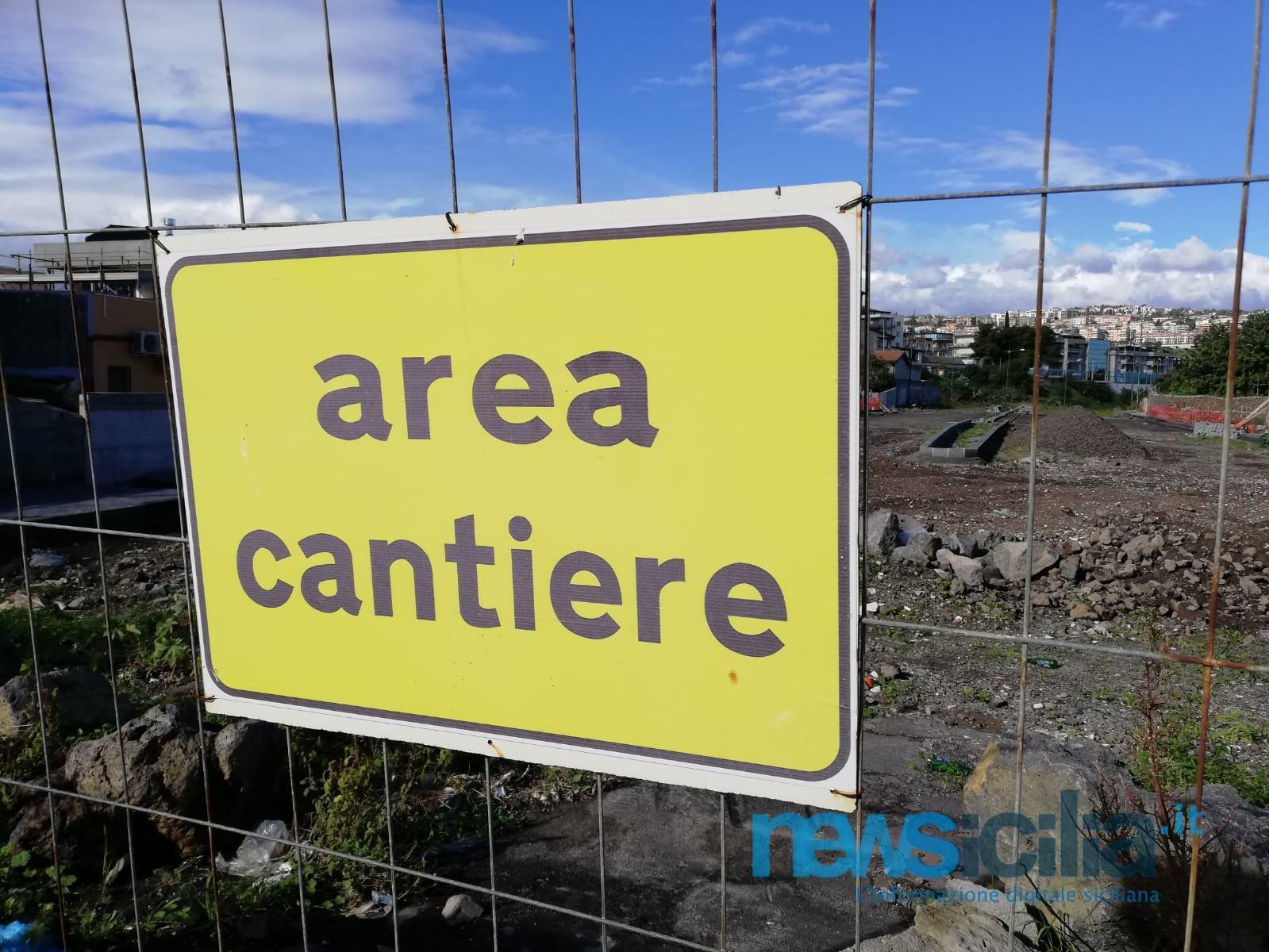 Viale Alcide De Gasperi, lavori ancora in alto mare: il cronoprogramma verrà rispettato? – FOTO e VIDEO