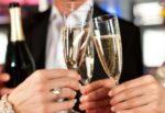Famiglia aggira il Dpcm e organizza festa in autostrada: brindisi al posto di ristoro