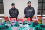 Blitz dal cinese, sequestrate 4 milioni di luci natalizie illegali nel Catanese