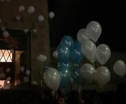 Lacrime, palloncini bianchi e grande partecipazione ai funerali di Raffaele Barresi, vittima della tragedia del Principe Umberto – VIDEO