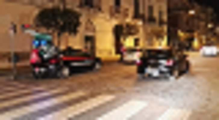 Evade dagli arresti domiciliari, viene rintracciato poco dopo in un bar del centro