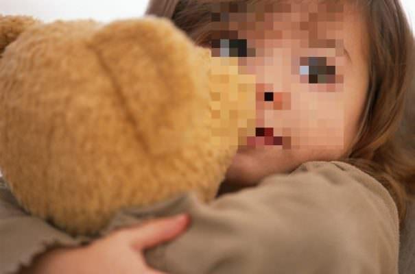 Paura al lungomare, due uomini tentano di rapire una bimba di 5 anni tra le grida della nonna