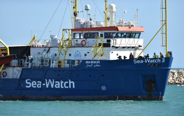Sea Watch 3 arriva a Licata: convalidato il sequestro