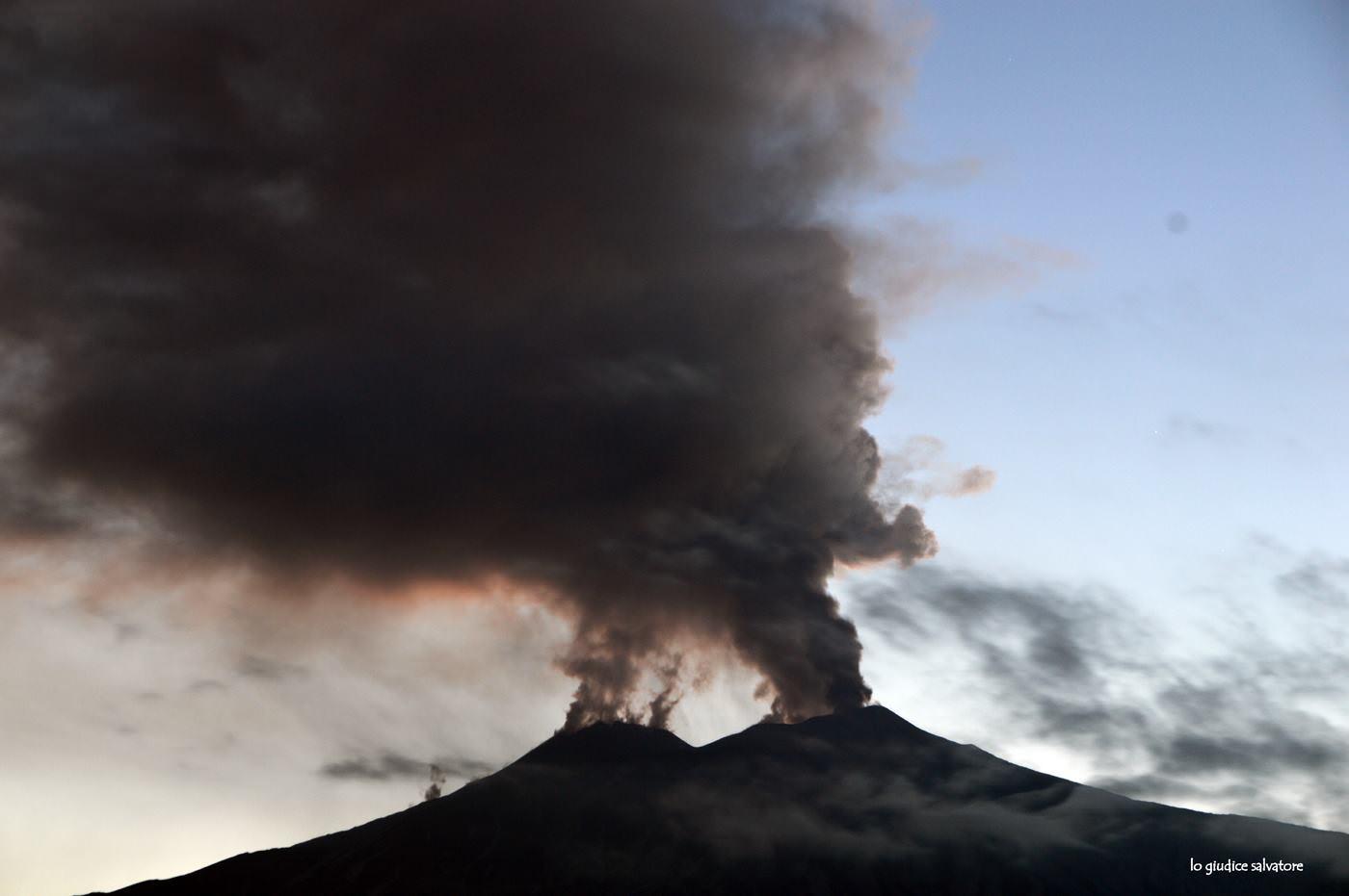 Etna, rimozione cenere vulcanica: deliberati 5 milioni di euro alla Regione Siciliana