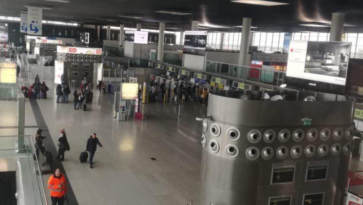 Aeroporto di Catania, addetto ruba dai bagagli: plauso del Codacons alla polizia