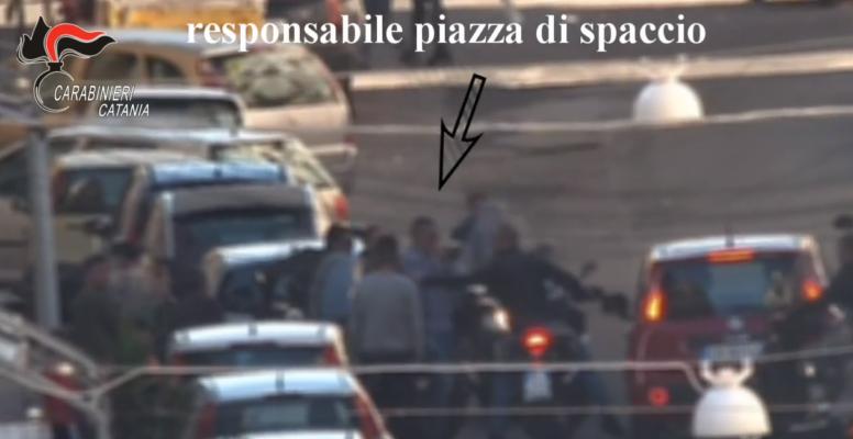 """Coca e marijuana, """"supermercato"""" da 11mila euro al giorno a San Cristoforo: elicotteri nella notte e il maxi blitz – VIDEO"""