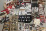 Orologi, cinturini e accessori rubati venduti al Mercatino delle pulci: denunciate due persone
