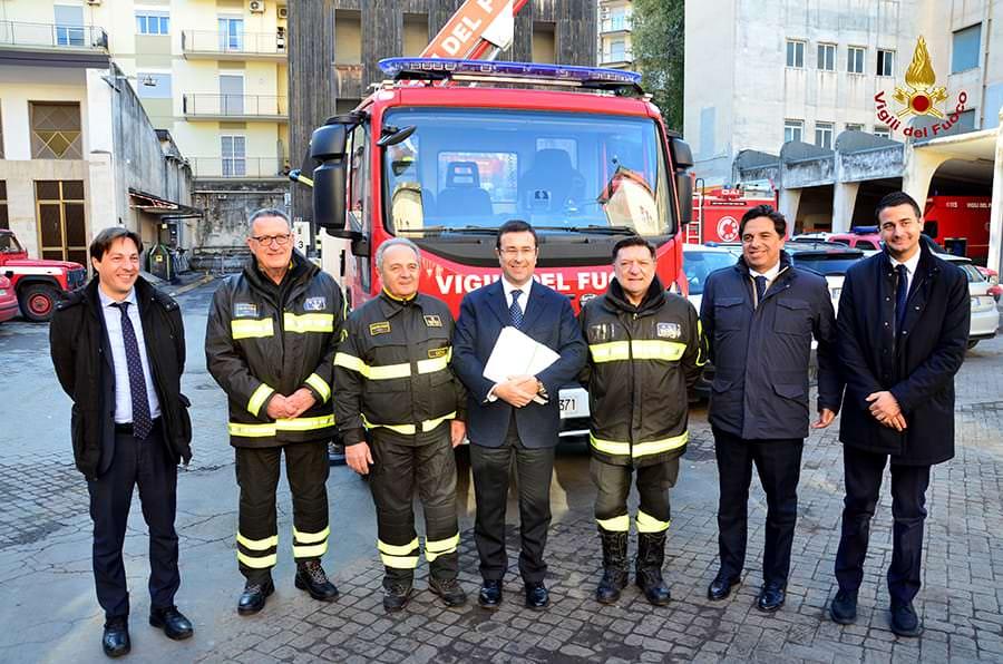 Terremoto di Santo Stefano: visita istituzionale ai vigili del fuoco di Catania – VIDEO e FOTO