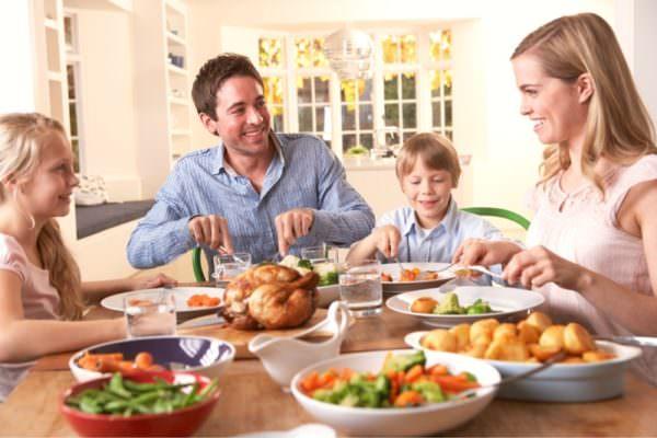 Dimagrimento e diete salutari: la felicità dei carboidrati vs le proteine