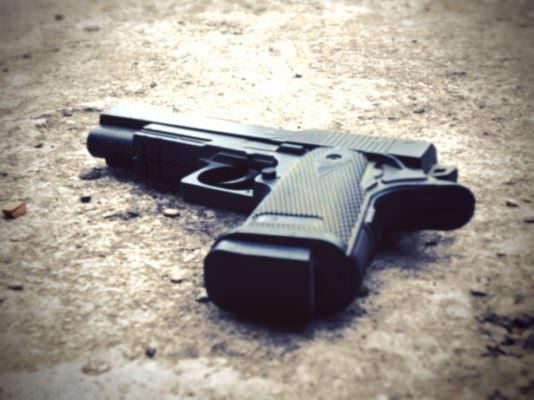 Freddato a colpi di pistola, omicidio tinto di giallo: ucciso Vincenzo Greco