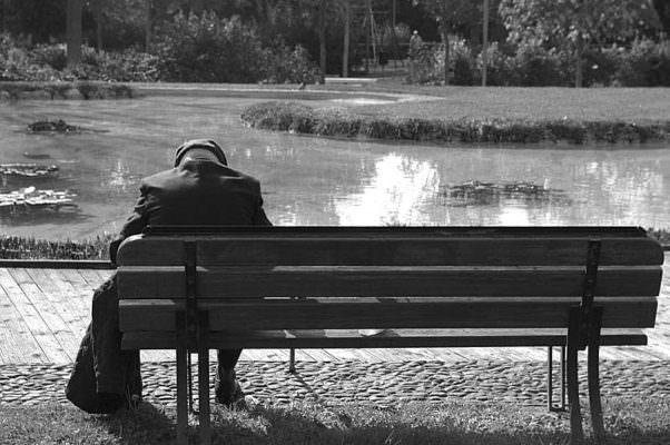 """""""Nessuno deve morire in solitudine"""": la commovente storia di Giovanni Irrera"""